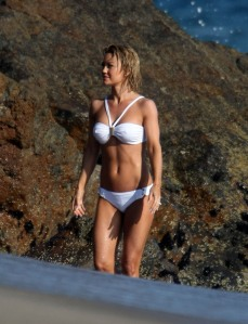 Kelly Carlson in Bikini on Nip/Tuck